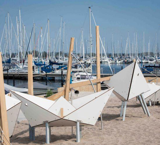 Papierschiffchen, Yachthafen Fehmarn